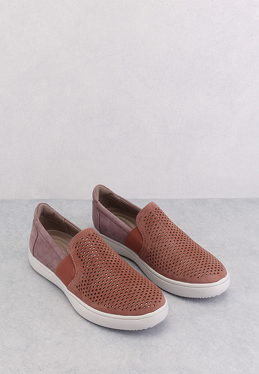 CL Ariell Gore Slip On