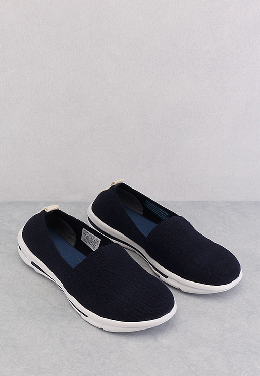 Roa Plain Slip On